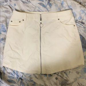 Creme mini skirt